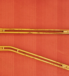 detalle-porteria-21-barandilla-amarilla