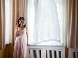 Aino Kannisto ventana fumando