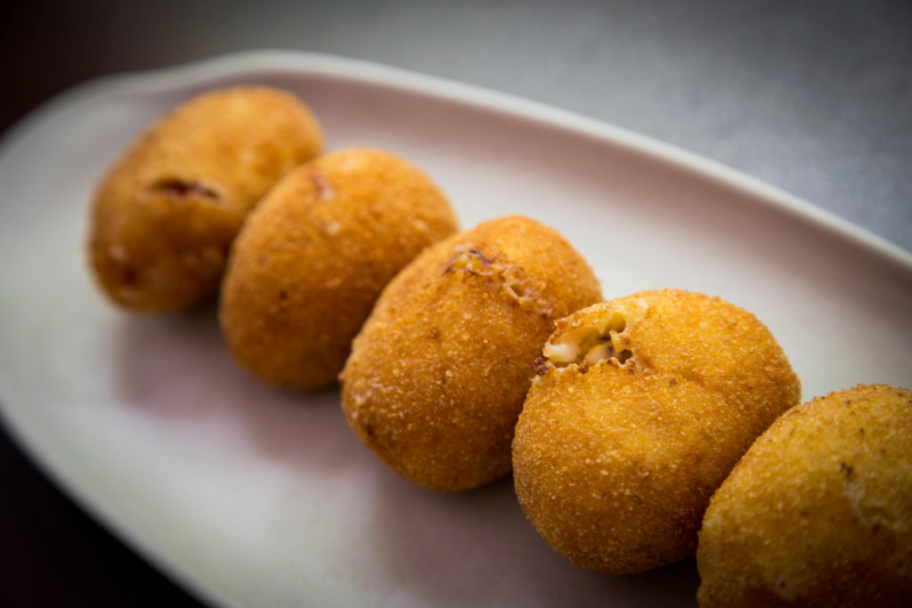 Croquetas con bocas, fotografia gastronomica