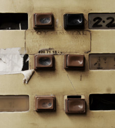 Detalle-porteria-01-telefonillo