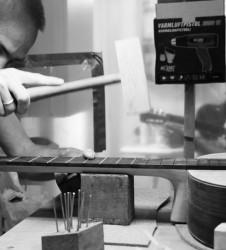 Guitarra Luthier trastes