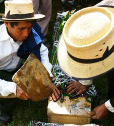 inhumacion guatemala cerrando ataud