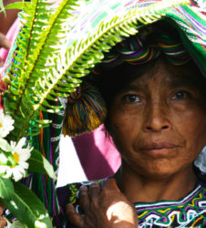 inhumacion guatemala flores