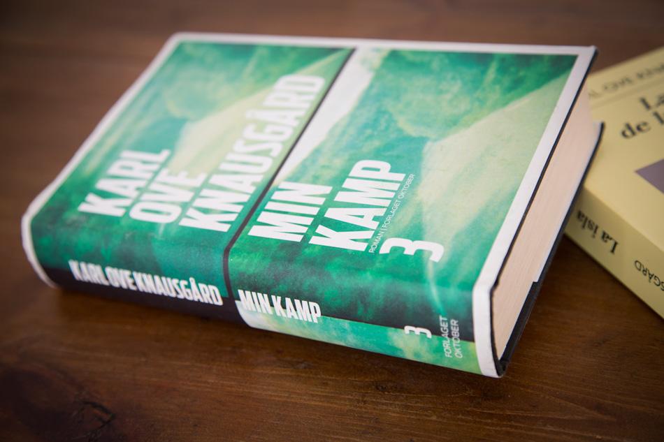 Portadas edicion noruega y espanola de libros Mi Lucha de Knausgard