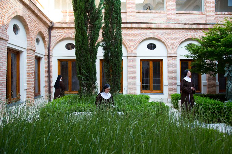 Monjas de clausura Clarisas Valdemoro patio 2